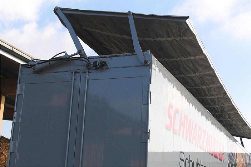 Semirimorchio piano mobile Schwarzmuller con tetto apribile