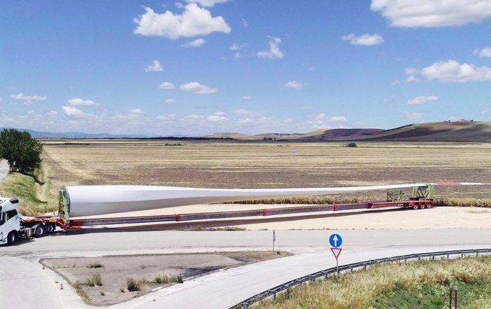 Faymonville WingMax in trasporto pale eoliche