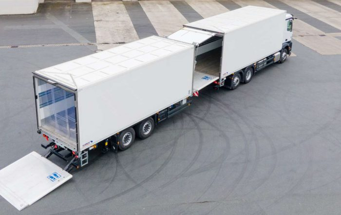 La combinazione passante di Schmitz Cargobull è molto pratica