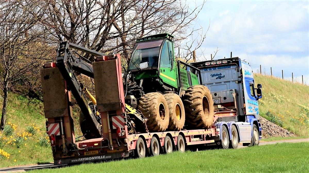 La gamma Faymonville permette di affrontare ogni tipo di trasporto forestale specializzato